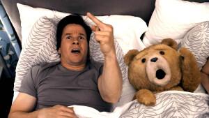 Hilarische comedy Ted zondag te zien op SBS 9