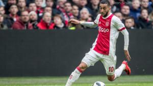 Kijkcijfers dinsdag: 2,4 miljoen kijkers zien uitschakeling Ajax in Champions League