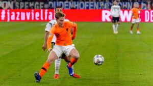 Kijkcijfers zaterdag: Nederlands elftal verslaat Sinterklaas en entertainmentshows