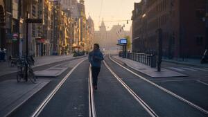 Prachtige Nederlandse film Niemand in de stad zie je zaterdag op NPO 3