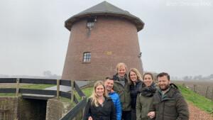 Tweede aflevering Bed & Breakfast: knuffelen met varkens in Noord-Brabant