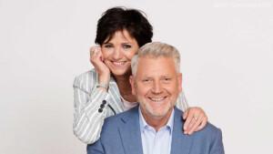Vanavond op tv: Aandacht Voor Elkaar met Hugo de Jonge, slot Mr. Frank Visser Rijdt Visite