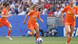 Vanavond op tv: Nederland - Slovenië (EK kwalificatie vrouwen), start serie Fleabag en meer